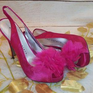 NWOT Martinez Valero peep toe slingback heels 7.5